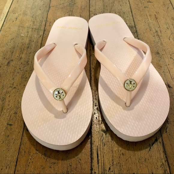 c044c5a06ff Tory Burch Flip Flops - Seashell Pink - Like New. M 5c119db53c9844156131edc1